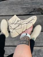 کتونی سایز میانه جورابی بالنسیاگا طرح رعد رنگ کرم